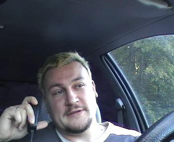 Ich im Auto beim QSO